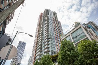 """Photo 1: 1108 1351 CONTINENTAL Street in Vancouver: Downtown VW Condo for sale in """"Maddox"""" (Vancouver West)  : MLS®# R2456999"""