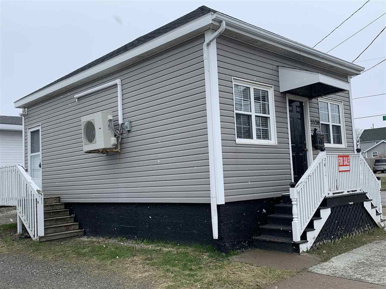 Photo 3: Photos: 3320 Plummer Avenue in New Waterford: 204-New Waterford Residential for sale (Cape Breton)  : MLS®# 202007536