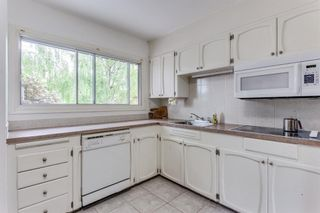 Photo 11: 8228 5 Street SW in Calgary: Kingsland Detached for sale : MLS®# A1124173