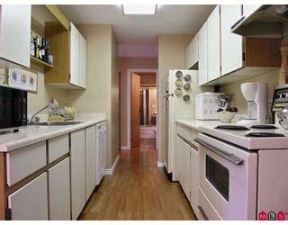 """Photo 2: 317 13507 96TH AV in Surrey: Whalley Condo for sale in """"Parkwoods"""" (North Surrey)  : MLS®# F2618545"""