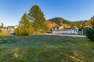 "Photo 19: 41500 MEADOW Avenue in Squamish: Brackendale House for sale in ""Brackendale"" : MLS®# R2529478"