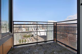 """Photo 16: 3307 33 SMITHE Street in Vancouver: Yaletown Condo for sale in """"COOPER'S LOOKOUT"""" (Vancouver West)  : MLS®# R2615498"""