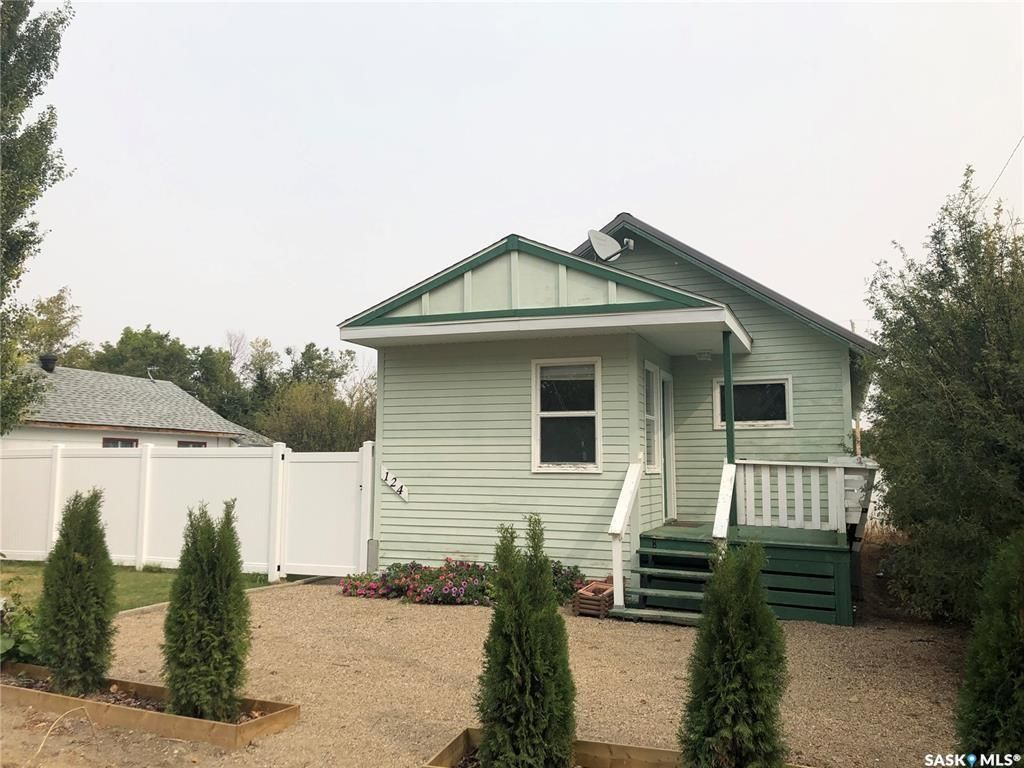 Main Photo: 124 Main Street in Wiseton: Residential for sale : MLS®# SK846899