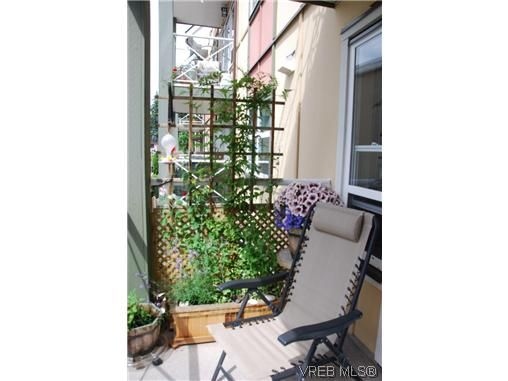 Main Photo: 216 663 Goldstream Ave in VICTORIA: La Goldstream Condo for sale (Langford)  : MLS®# 613711