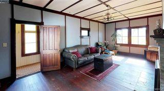 Photo 4: 412 Lampson St in VICTORIA: Es Saxe Point House for sale (Esquimalt)  : MLS®# 782016