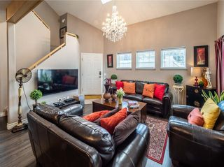 Photo 2: 901 1997 Sirocco Drive SW in Calgary: Residential for sale : MLS®# A1030389