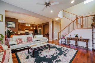 """Photo 7: 6955 196A Street in Langley: Willoughby Heights House for sale in """"Camden Park"""" : MLS®# R2446076"""