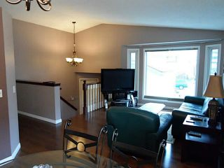 Photo 2: 37 CITADEL Gardens NW in CALGARY: Citadel Residential Detached Single Family for sale (Calgary)  : MLS®# C3568731