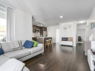 """Photo 4: 402 3162 RIVERWALK Avenue in Vancouver: Champlain Heights Condo for sale in """"SHORELINE"""" (Vancouver East)  : MLS®# R2220256"""