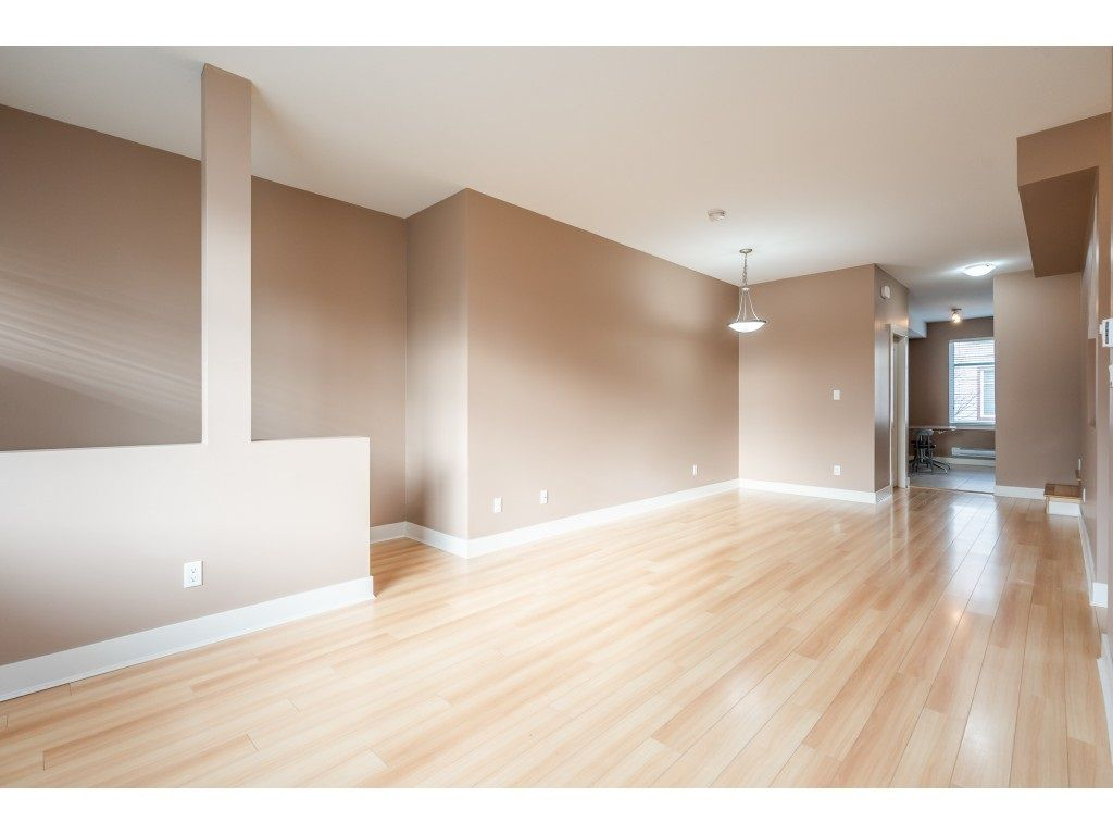 """Photo 12: Photos: 57 13899 LAUREL Drive in Surrey: Whalley Townhouse for sale in """"Emerald Gardens"""" (North Surrey)  : MLS®# R2527402"""