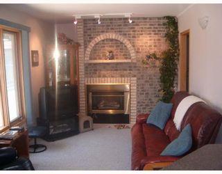 Photo 3: 916 MCIVOR Avenue in WINNIPEG: North Kildonan Single Family Detached for sale (North East Winnipeg)  : MLS®# 2709860
