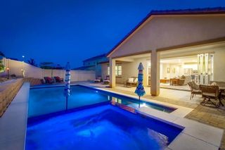 Photo 2: NORTH ESCONDIDO House for sale : 4 bedrooms : 633 Lehner Ave in Escondido
