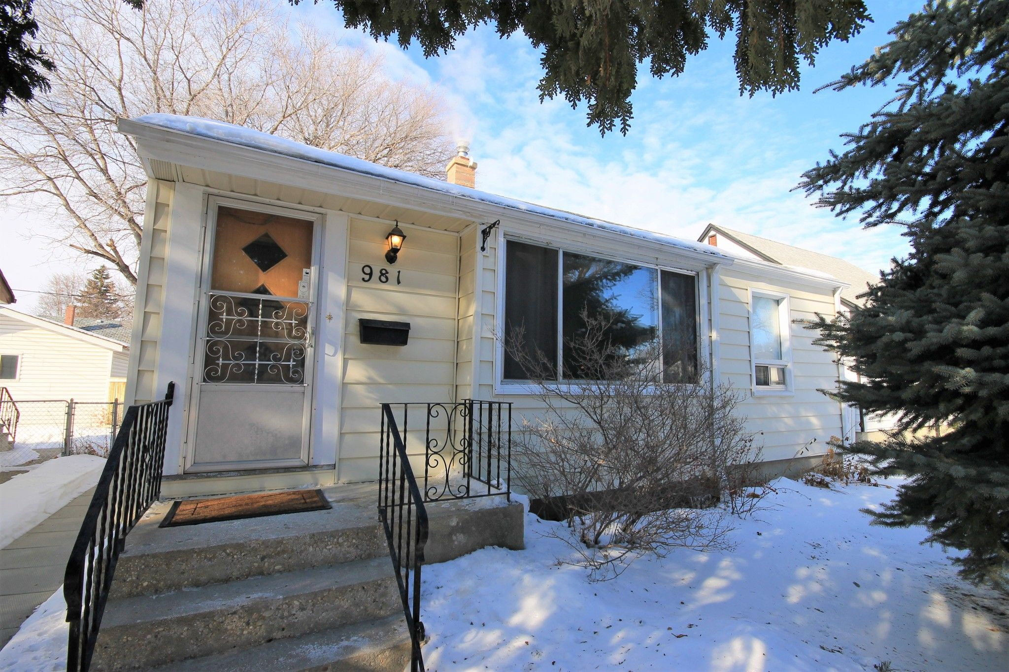 Main Photo: 981 Hector Avenue in Winnipeg: Residential for sale (1Bw)  : MLS®# 202004170