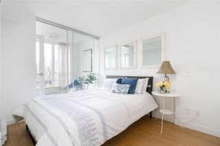"""Photo 15: 912 188 KEEFER Street in Vancouver: Downtown VE Condo for sale in """"188 KEEFER"""" (Vancouver East)  : MLS®# R2306142"""
