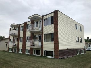 Photo 2: 559 9 Avenue SW: High River Multi Family for sale : MLS®# A1136219