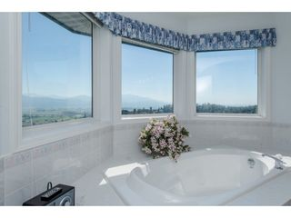 "Photo 11: 35976 EMPRESS Drive in Abbotsford: Abbotsford East House for sale in ""Regal Peak Estates"" : MLS®# R2109654"