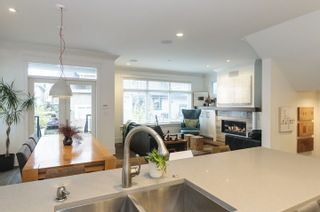 Photo 4: 332 E 37TH AVENUE in Vancouver: Main House for sale (Vancouver East)  : MLS®# R2234806