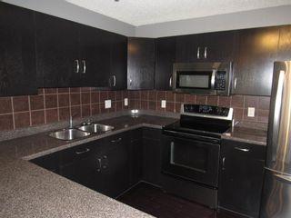Photo 12: 49 6304 SANDIN Way in Edmonton: Zone 14 House Half Duplex for sale : MLS®# E4252566