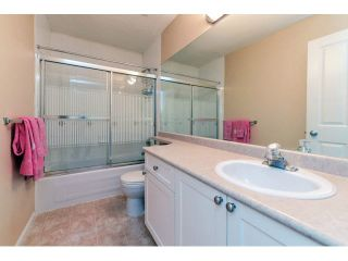 """Photo 17: 60 6533 121ST Street in Surrey: West Newton Townhouse for sale in """"STONEBRAIR"""" : MLS®# F1422677"""
