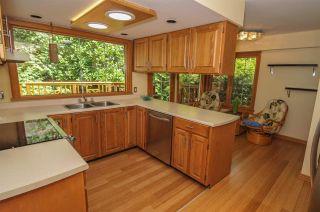 Photo 9: 12715 18A Avenue in Surrey: Crescent Bch Ocean Pk. House for sale (South Surrey White Rock)  : MLS®# R2399687