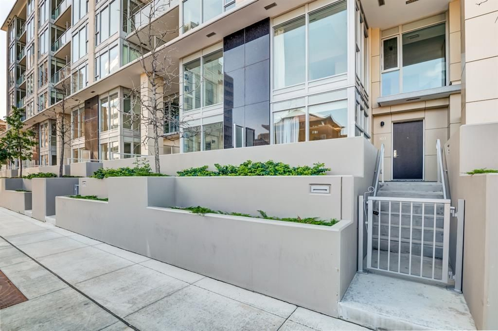 Main Photo: 103 1025 5 Avenue SW in Calgary: Downtown West End Apartment for sale : MLS®# A1106400