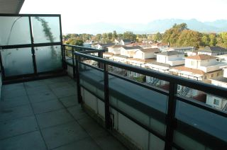 Photo 3: P5 2239 KINGSWAY in Vancouver: Victoria VE Condo for sale (Vancouver East)  : MLS®# R2113636