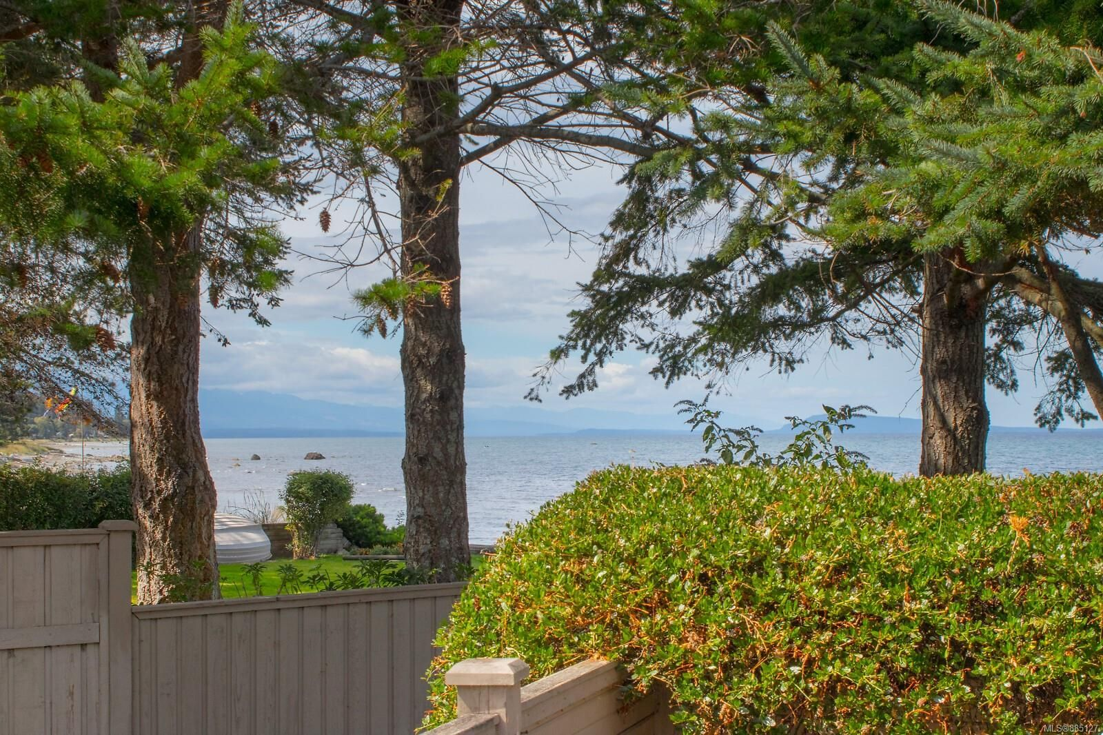 Photo 15: Photos: 26 529 Johnstone Rd in : PQ French Creek Row/Townhouse for sale (Parksville/Qualicum)  : MLS®# 885127