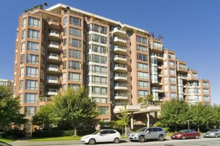 Photo 1: 3 2201 PINE STREET in Vancouver: Fairview VW Townhouse for sale (Vancouver West)  : MLS®# R2610918