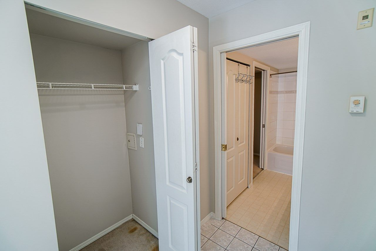 Photo 32: Photos: 306 2962 TRETHEWEY STREET in Abbotsford: Abbotsford West Condo for sale : MLS®# R2470028