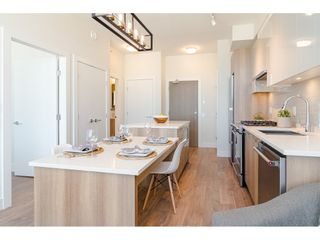 """Photo 7: 2404 258 NELSON'S Court in New Westminster: Sapperton Condo for sale in """"THE COLUMBIA AT BREWERY DISTRICT"""" : MLS®# R2502597"""