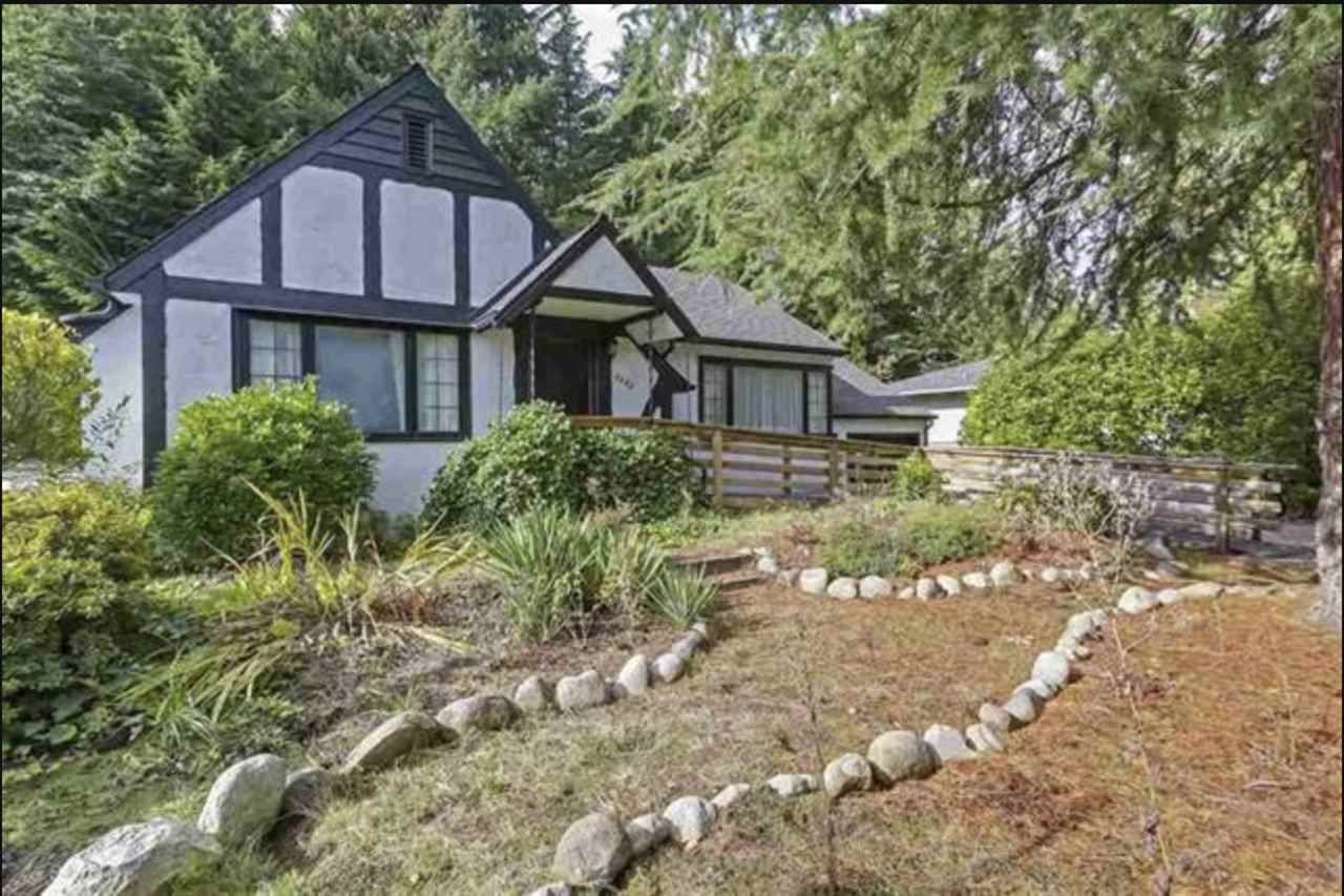 Main Photo: 3399 EDGEMONT Boulevard in North Vancouver: Edgemont House for sale : MLS®# R2424242