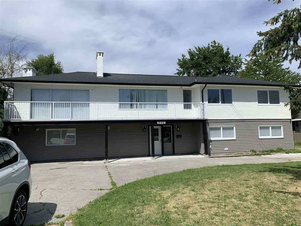 Main Photo: 6229 LADNER TRUNK Road in Delta: Holly House for sale (Ladner)  : MLS®# R2552895
