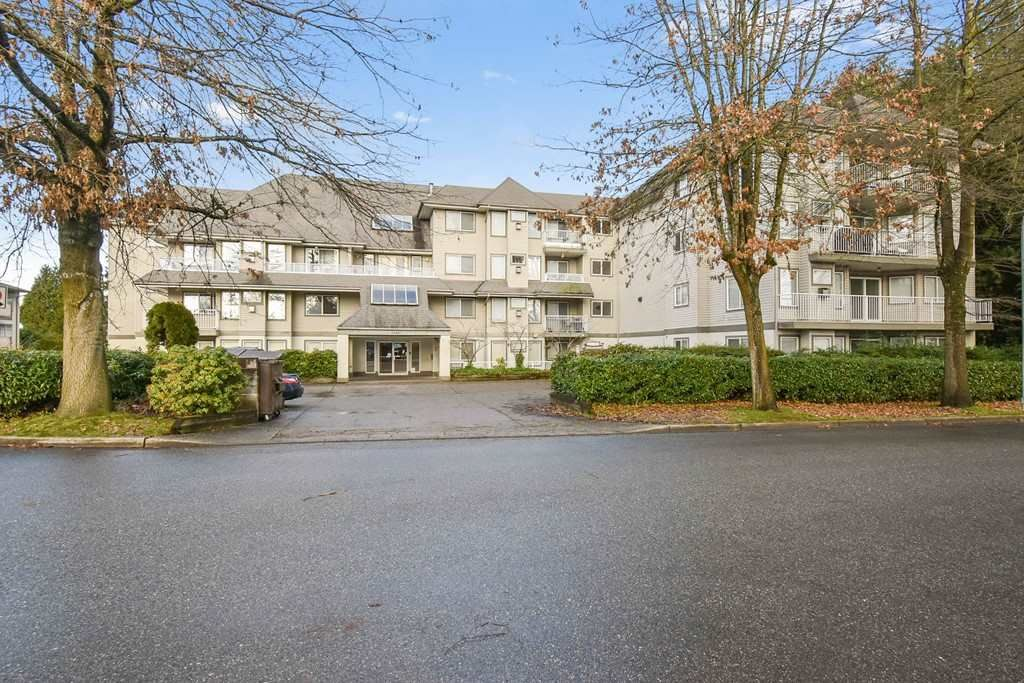 Main Photo: 101 33407 TESSARO Crescent in Abbotsford: Central Abbotsford Condo for sale : MLS®# R2543064