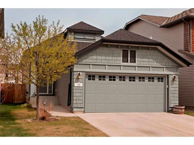 Main Photo: 139 AUBURN BAY Close SE in Calgary: Auburn Bay House for sale : MLS®# C4008235