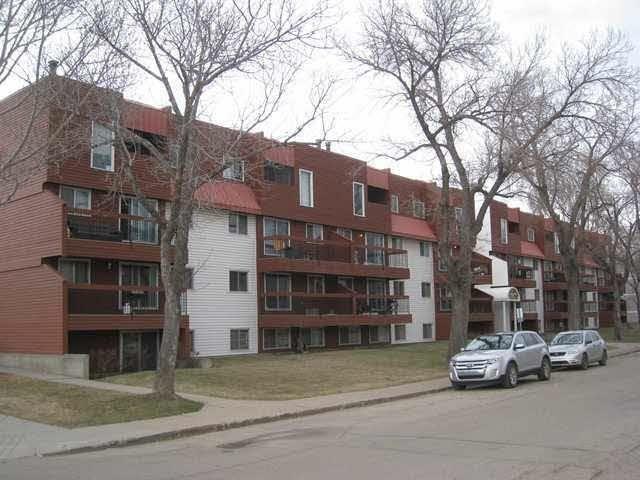 Main Photo:  in Edmonton: Zone 13 Condo for sale : MLS®# E4261101