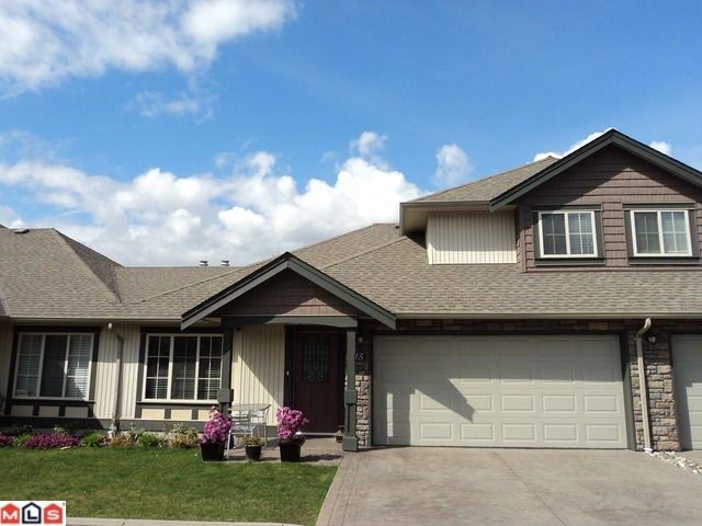 """Main Photo: 15 6450 BLACKWOOD Lane in Sardis: Sardis West Vedder Rd Townhouse for sale in """"THE MAPLES"""" : MLS®# H1201486"""