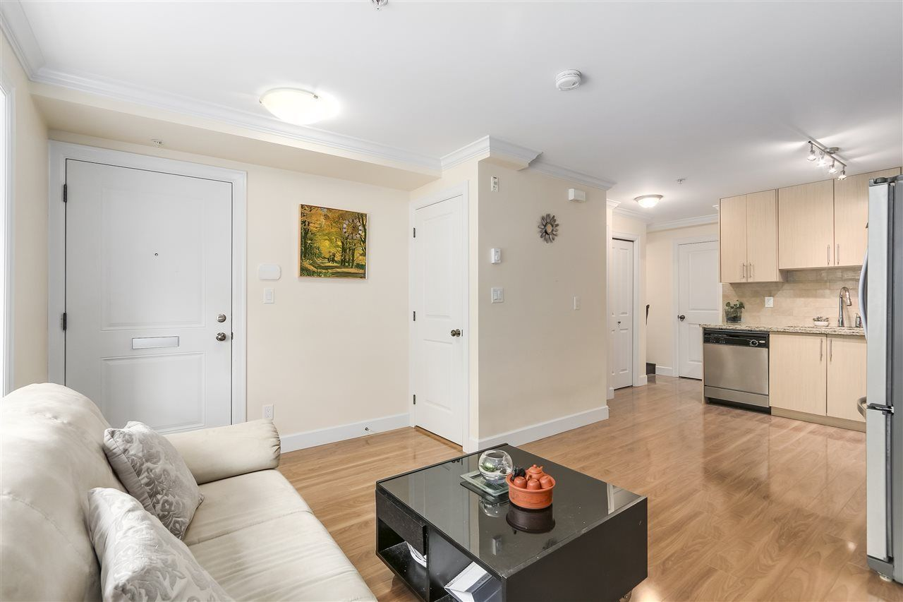 Photo 3: Photos: 89 N GARDEN Drive in Vancouver: Hastings Townhouse for sale (Vancouver East)  : MLS®# R2232859