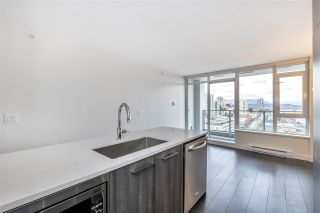 "Photo 10: 1807 668 COLUMBIA Street in New Westminster: Quay Condo for sale in ""TRAPP & HOLBROOK"" : MLS®# R2545473"