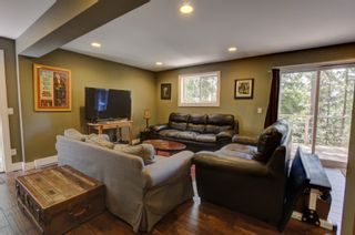 Photo 26:  in : Anglemont House for sale (North Shuswap)  : MLS®# 10239335