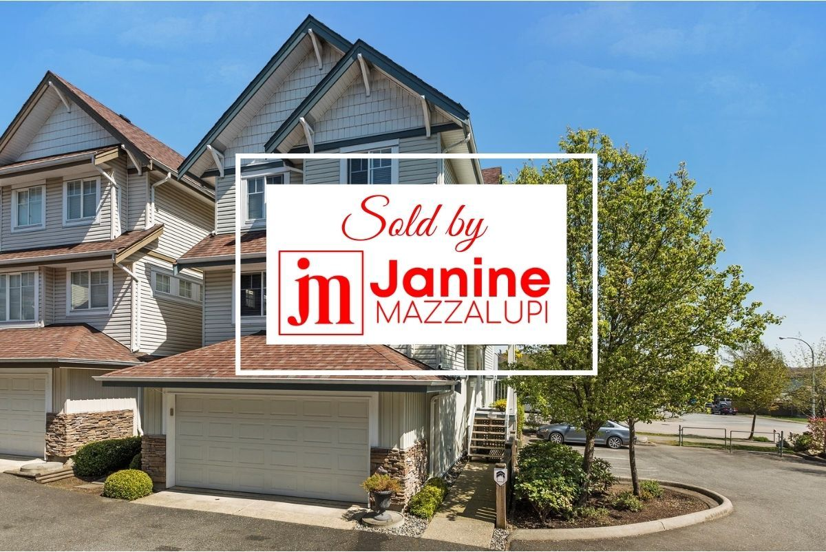 """Main Photo: 8 20582 67 Avenue in Langley: Willoughby Heights Townhouse for sale in """"Bakerview Estates"""" : MLS®# R2260623"""