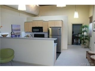 Photo 3: 107 1030 Yates St in VICTORIA: Vi Downtown Condo for sale (Victoria)  : MLS®# 324425