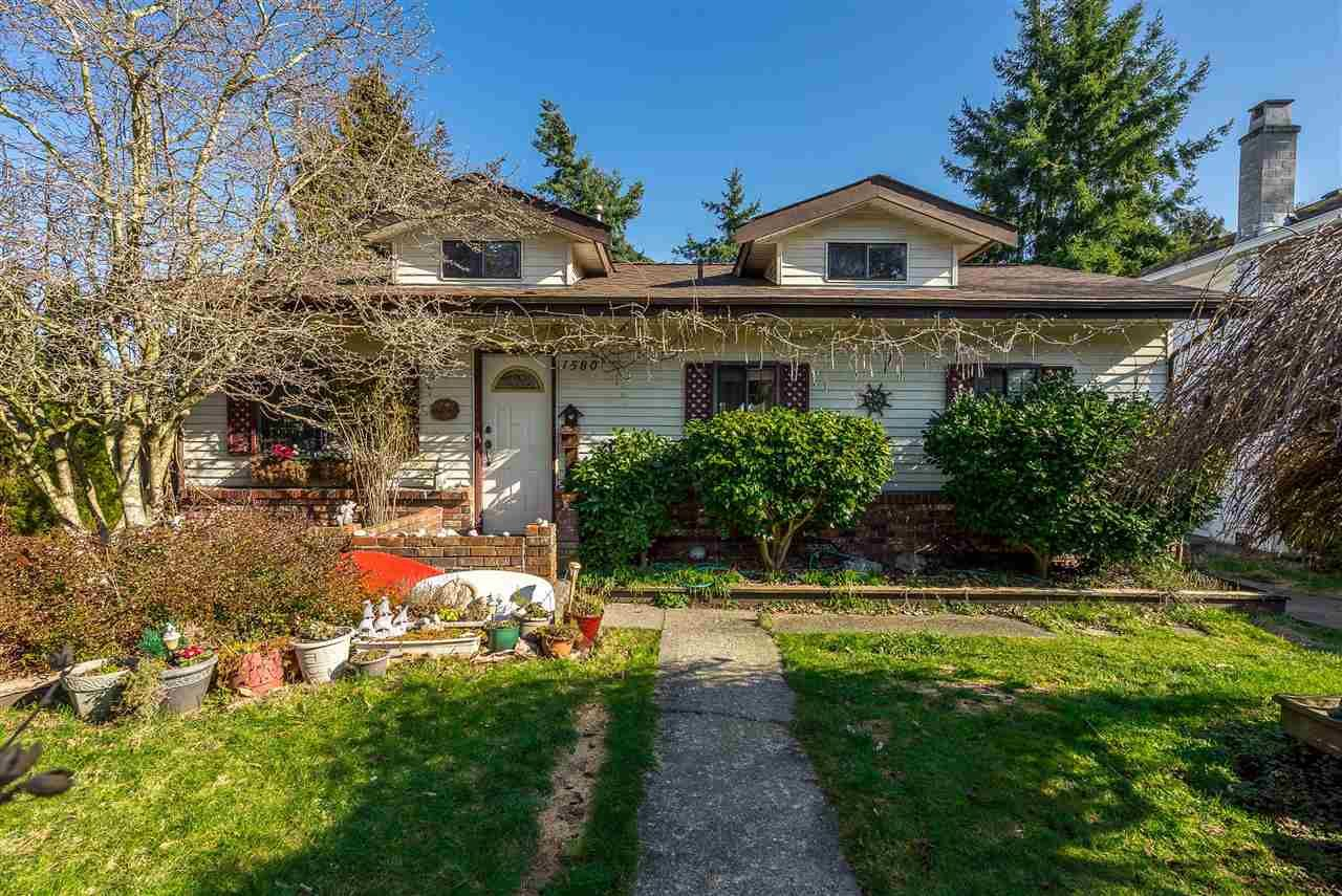 """Main Photo: 1580 LEE Street: White Rock House for sale in """"White Rock"""" (South Surrey White Rock)  : MLS®# R2452357"""