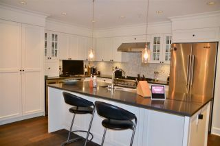 """Photo 5: 200 656 W 13TH Avenue in Vancouver: Fairview VW Condo for sale in """"CHEZ NOUS"""" (Vancouver West)  : MLS®# R2433312"""