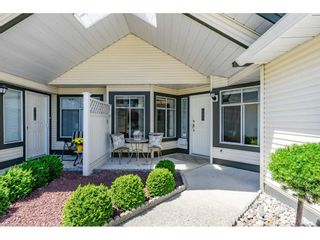 """Photo 2: 106 19649 53 Avenue in Langley: Langley City Townhouse for sale in """"Huntsfield Green"""" : MLS®# R2595915"""