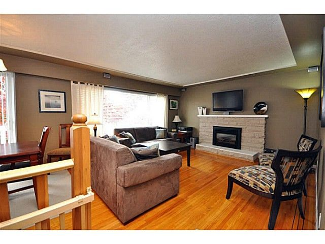 """Main Photo: 4522 62ND Street in Ladner: Holly House for sale in """"HOLLY"""" : MLS®# V990375"""