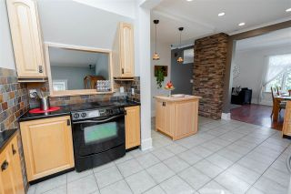 """Photo 10: 715 FOURTH Street in New Westminster: GlenBrooke North House for sale in """"Glenbrooke North"""" : MLS®# R2492416"""