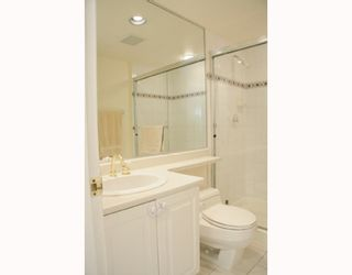 """Photo 6: 204 789 W 16TH Avenue in Vancouver: Fairview VW Condo for sale in """"SIXTEEN WILLOWS"""" (Vancouver West)  : MLS®# V786069"""