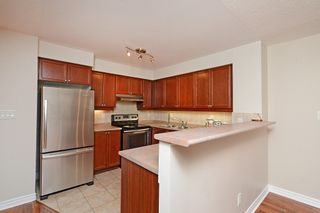 Photo 19: 16 3880 Duke Of York Boulevard in Mississauga: City Centre Condo for sale : MLS®# W2811487