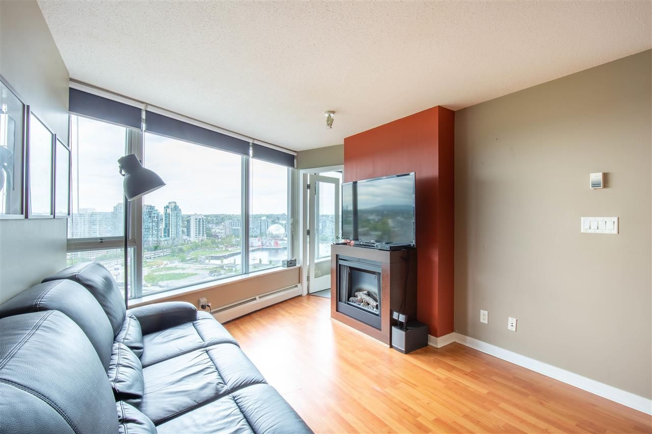 """Photo 8: Photos: 2609 688 ABBOTT Street in Vancouver: Downtown VW Condo for sale in """"FIRENZE ii"""" (Vancouver West)  : MLS®# R2579446"""