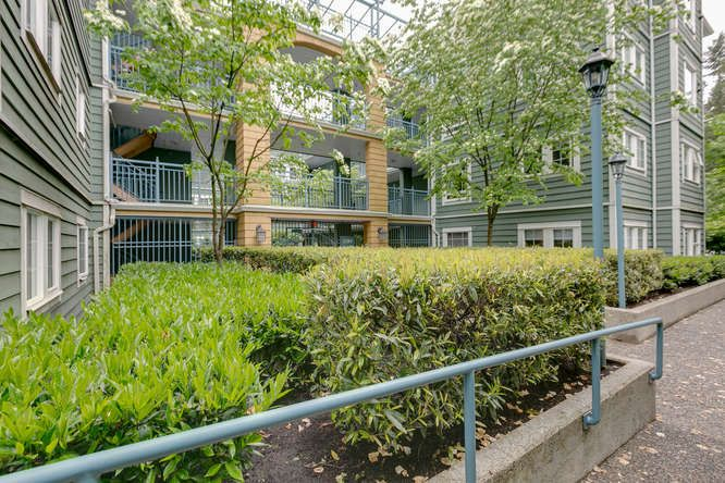 Main Photo: Coquitlam Town Centre 1 Bedroom Condo for Sale R2065023 209 1189 Westwood St Coquitlam